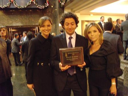 Anna Maria Gamboa, Alejandro Gomez and Natalia Cardona with the award.